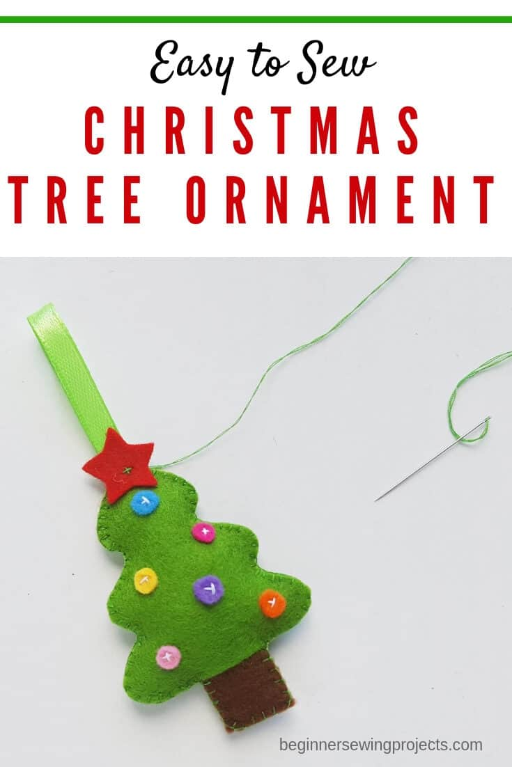 Felt Christmas Tree Ornament with Free Pattern - This is so fun and easy to make! #sewing #christmas