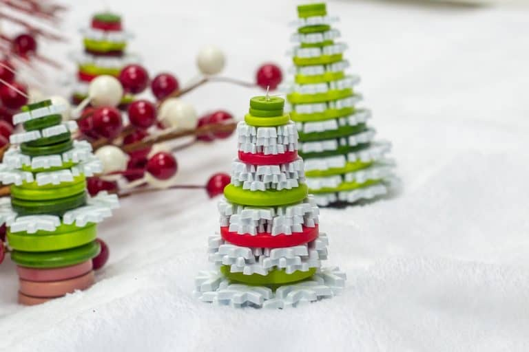 Cute as a Button Christmas Tree Ornaments Craft – Beginner Sewing Projects