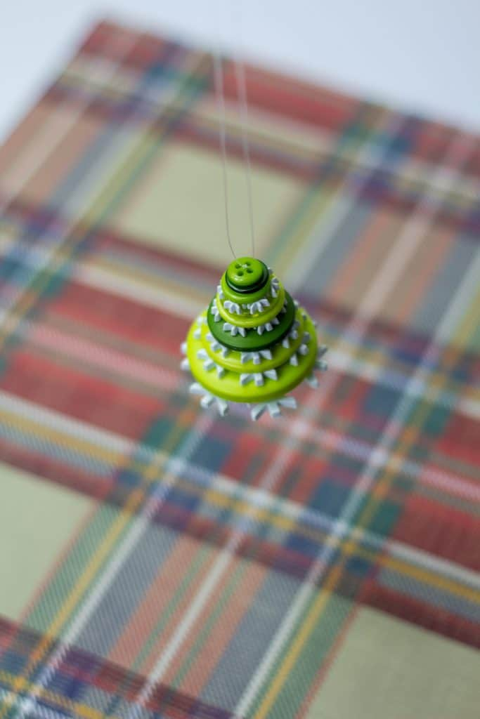 Button Christmas Tree Ornament Step 10