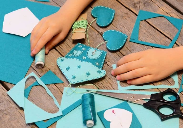 Felt Crafts for Kids to Sew – Beginner Sewing Projects