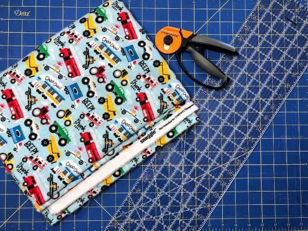 How to Quickly Square Up Fabric Before Cutting – Beginner Sewing Projects
