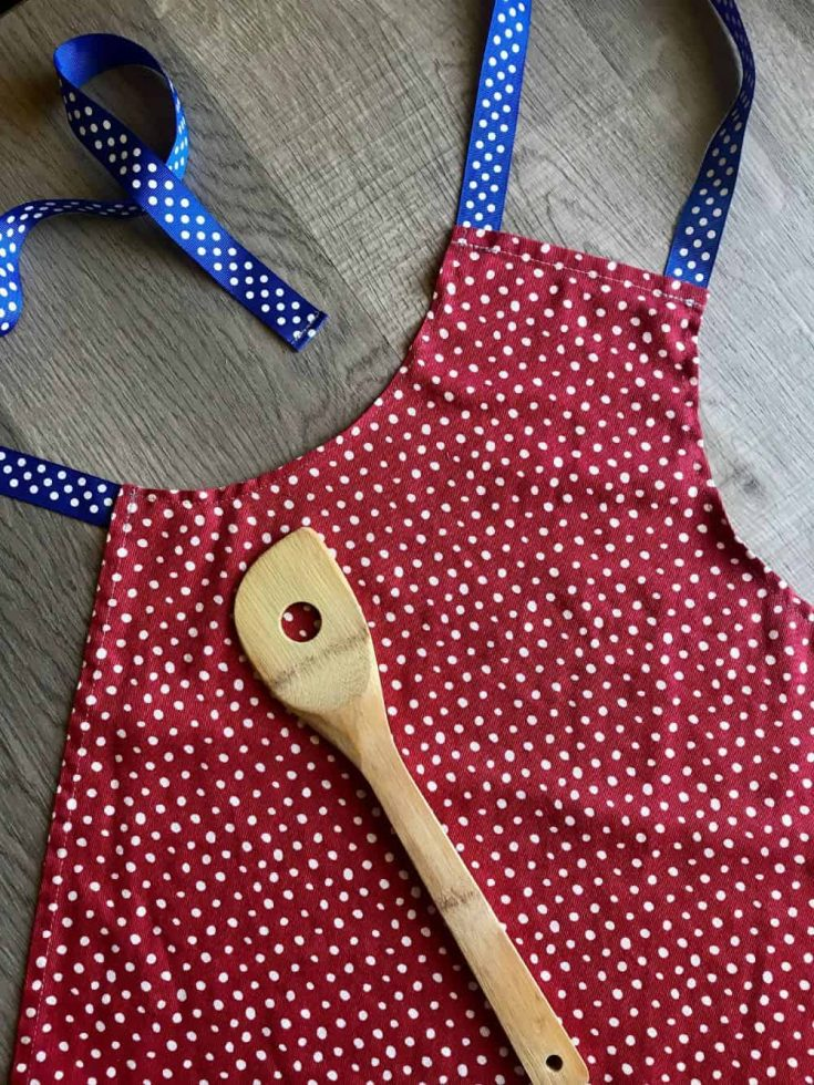 Dishtowel Kids Apron Pattern and Tutorial