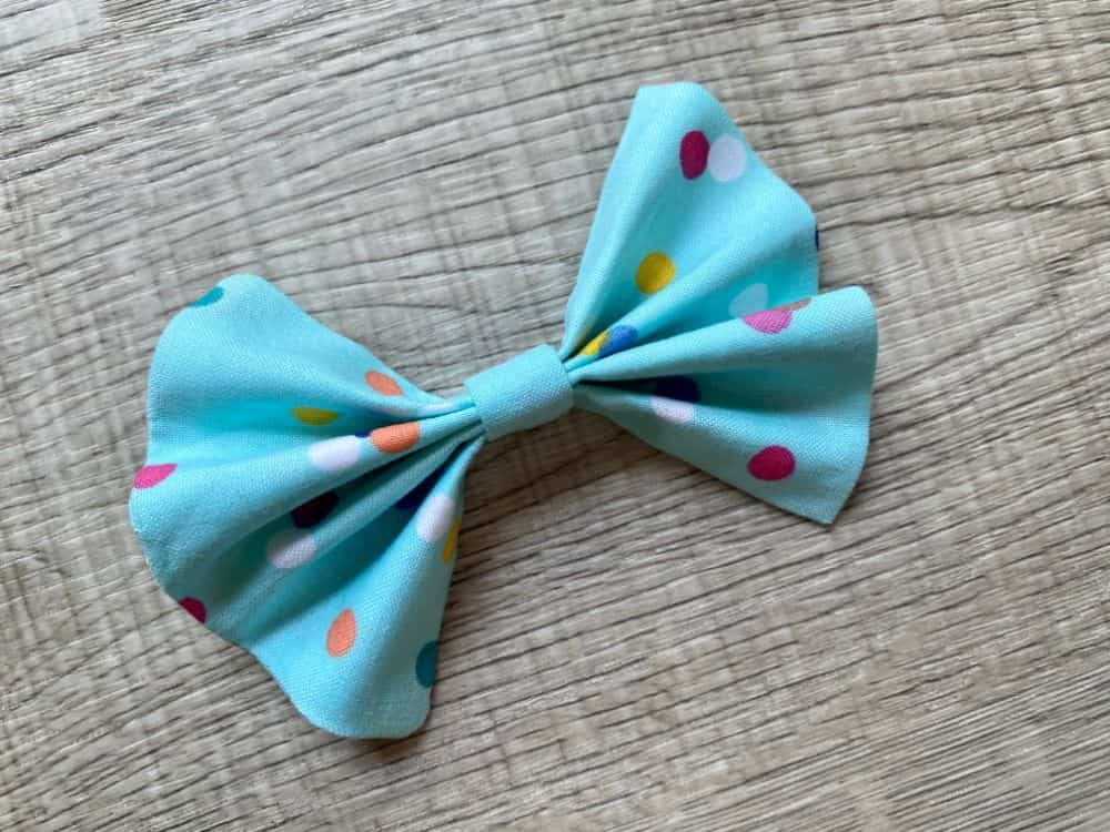 Simple DIY Fabric Bow