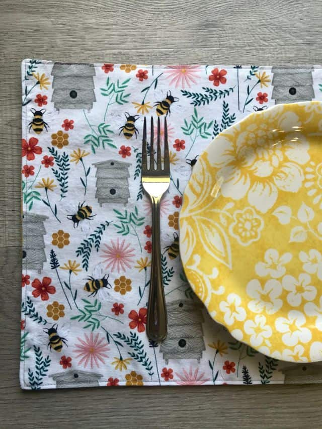 Simple Reversible Placemat Sewing Project