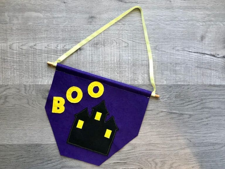 Haunted House Banner – Beginner Sewing Projects