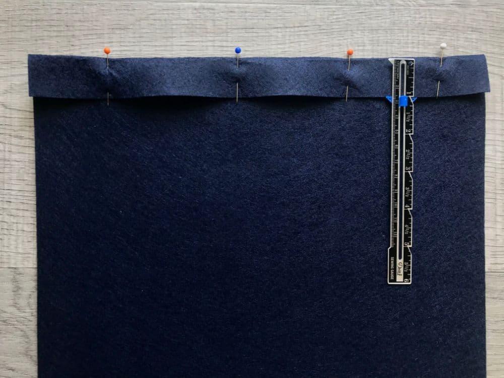 pinning fold on background