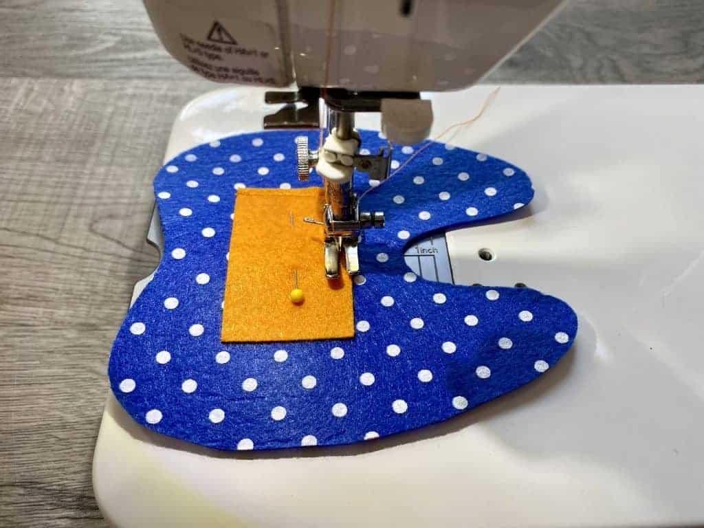 sewing pocket on