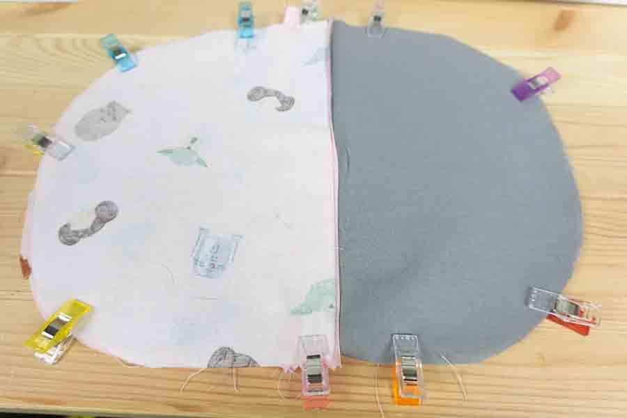Clip fabrics to sew seams