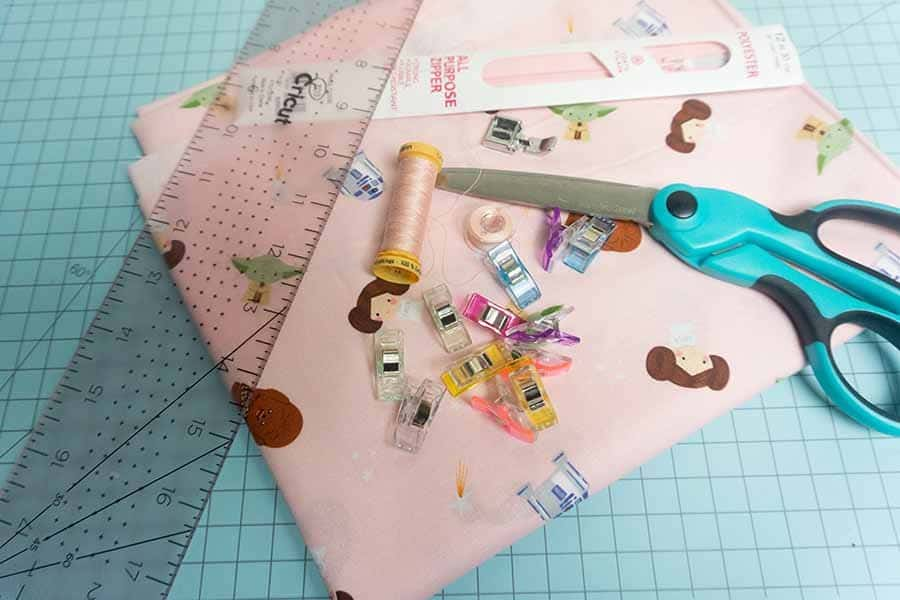 Supplies for boxy cosmetic bag