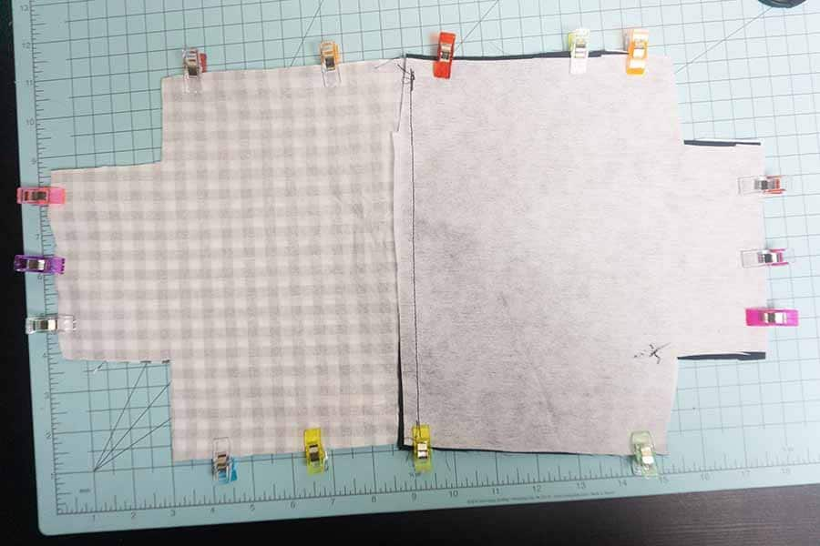 Layer and clip around edges